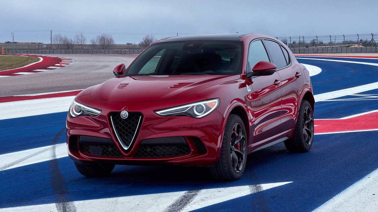 2018 alfa romeo stelvio quadrifoglio first drive suv excitement. Black Bedroom Furniture Sets. Home Design Ideas