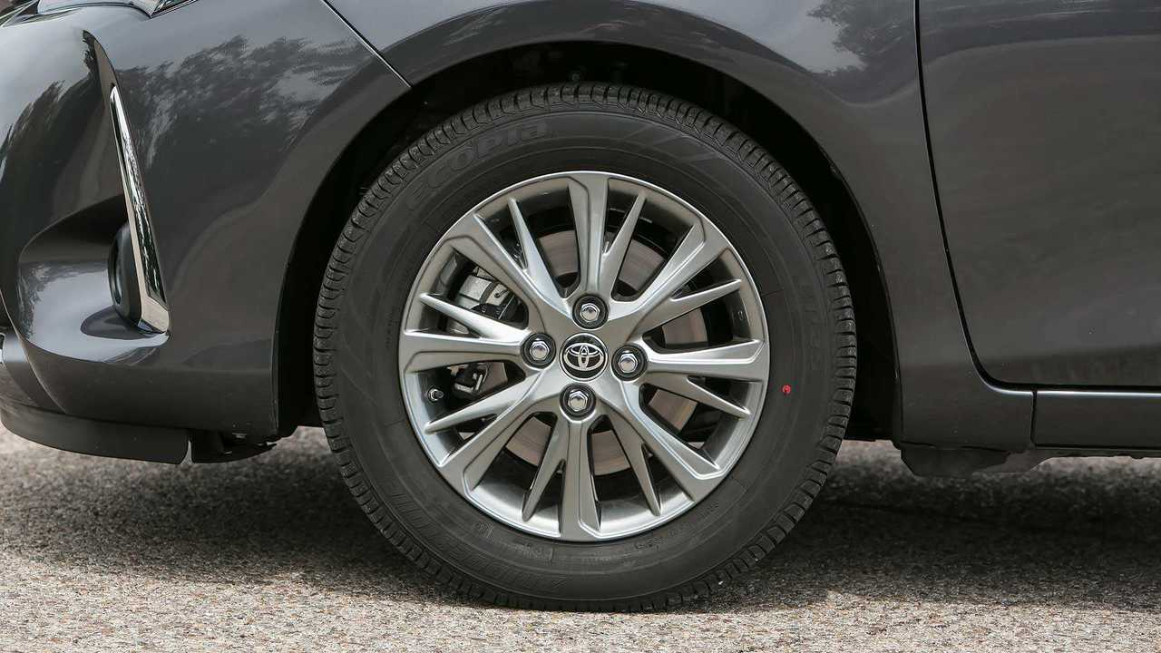 Toyota Yaris 2017 teaser