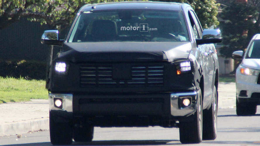 Toyota Tundra Facelift Spy Shots