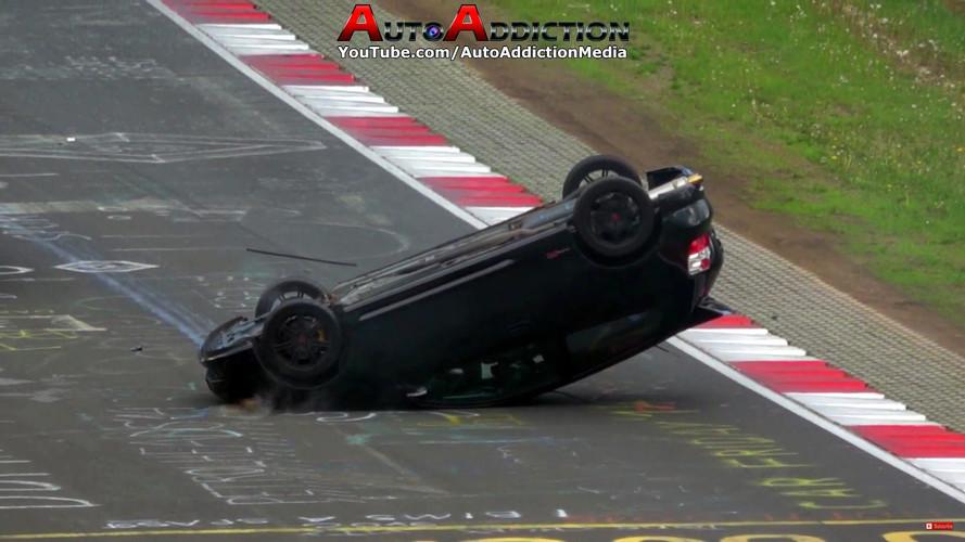 Honda Civic Type R Nürburgring'de takla attı
