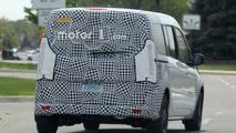 Makyajlı Ford Transit Connect casus fotoğrafları