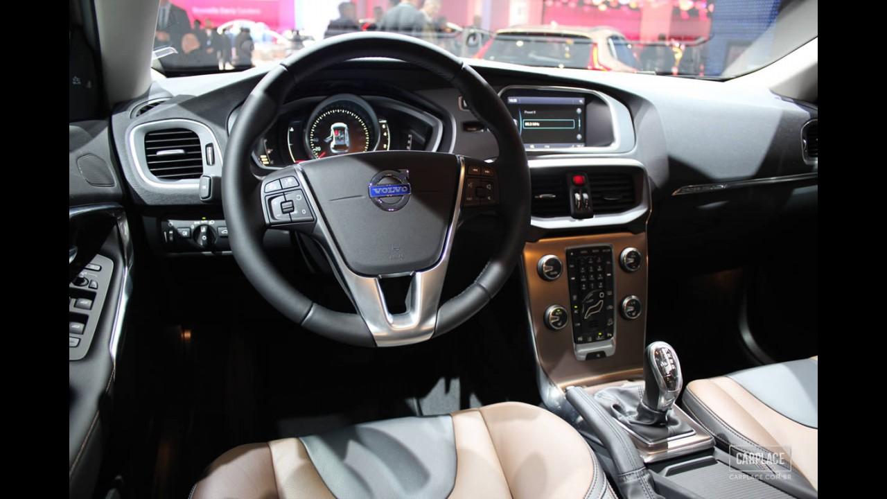 Volvo V40 Cross Country é lançado no Brasil por R$ 141,5 mil