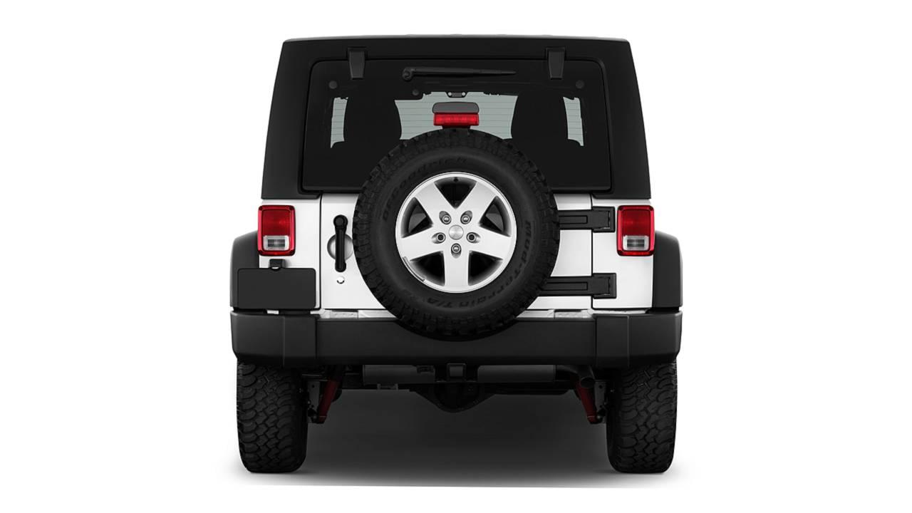 Jeep Wrangler, vecchia e nuova a confronto