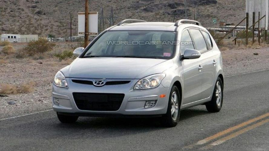 Hyundai i30 Wagon in Full View