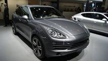 2013 Porsche Cayenne S Diesel live in Paris 27.09.2012