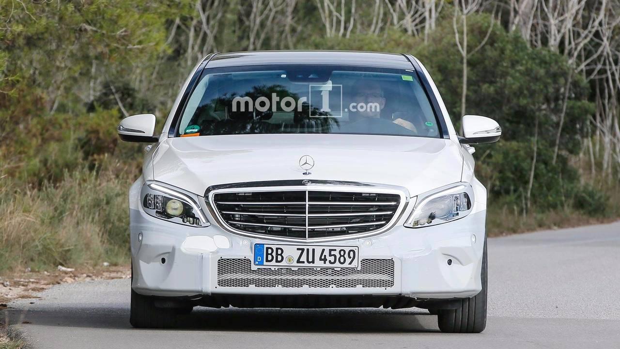 Mercedes-Benz C-Class Refresh Spy Photos
