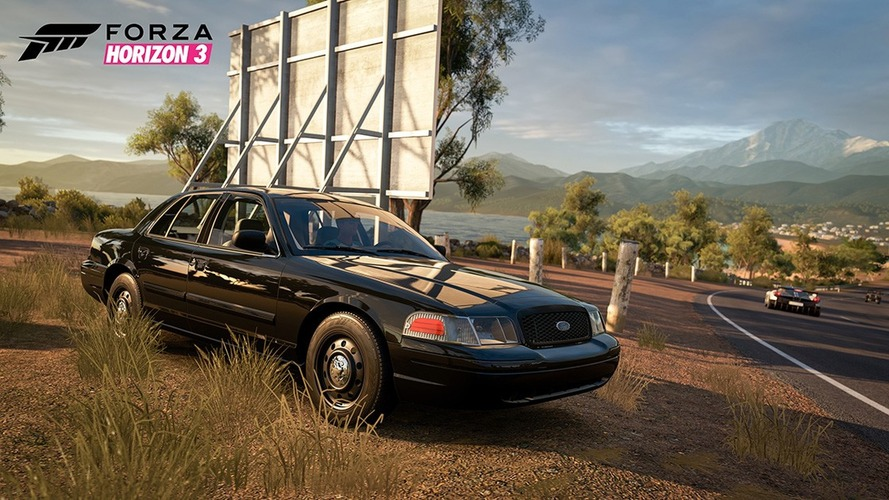Now you can drive a Ford Crown Vic cop car in Forza Horizon 3