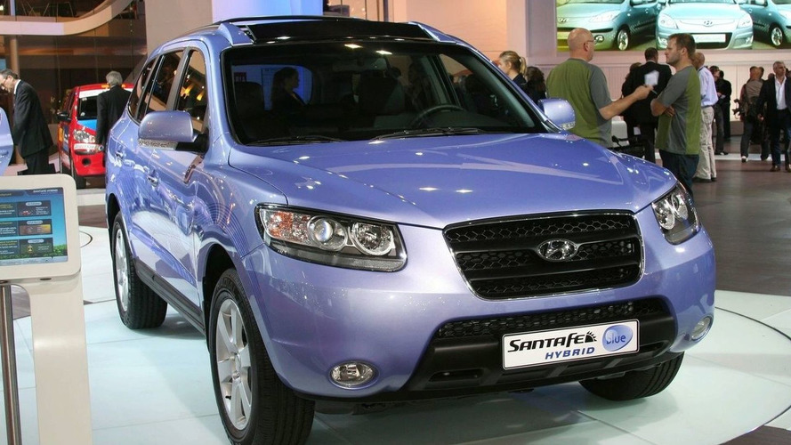 Hyundai Sante Fe Blue Hybrid Debuts in Paris