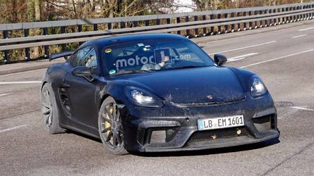 2018 Porsche 718 Cayman GT4 Spied With A Dirty Backside