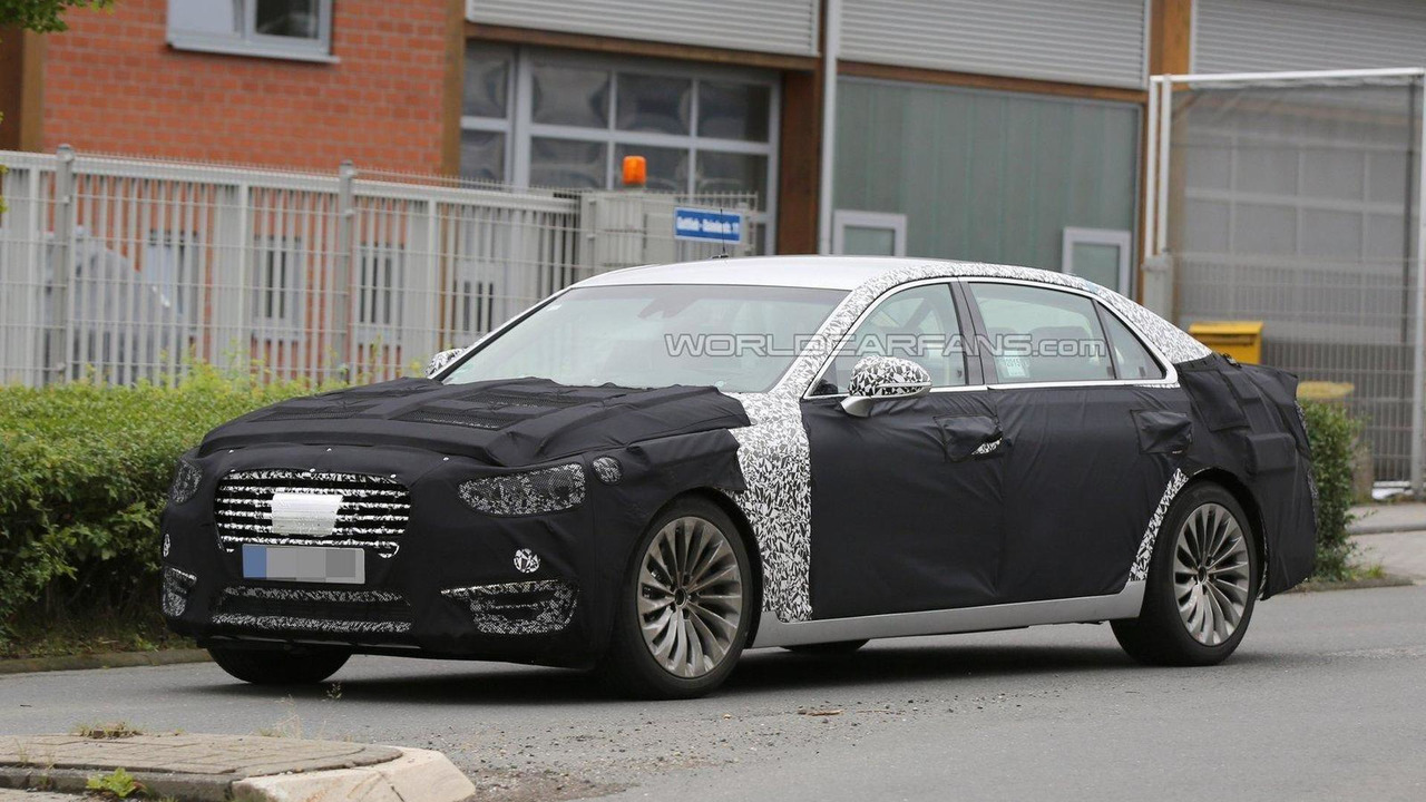 2017 Hyundai Equus spy photo