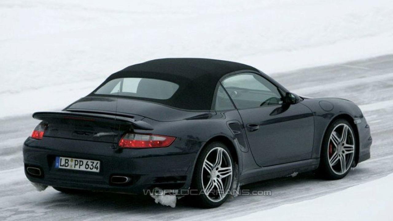 SPY PHOTOS: Porsche 911 Turbo Cabrio