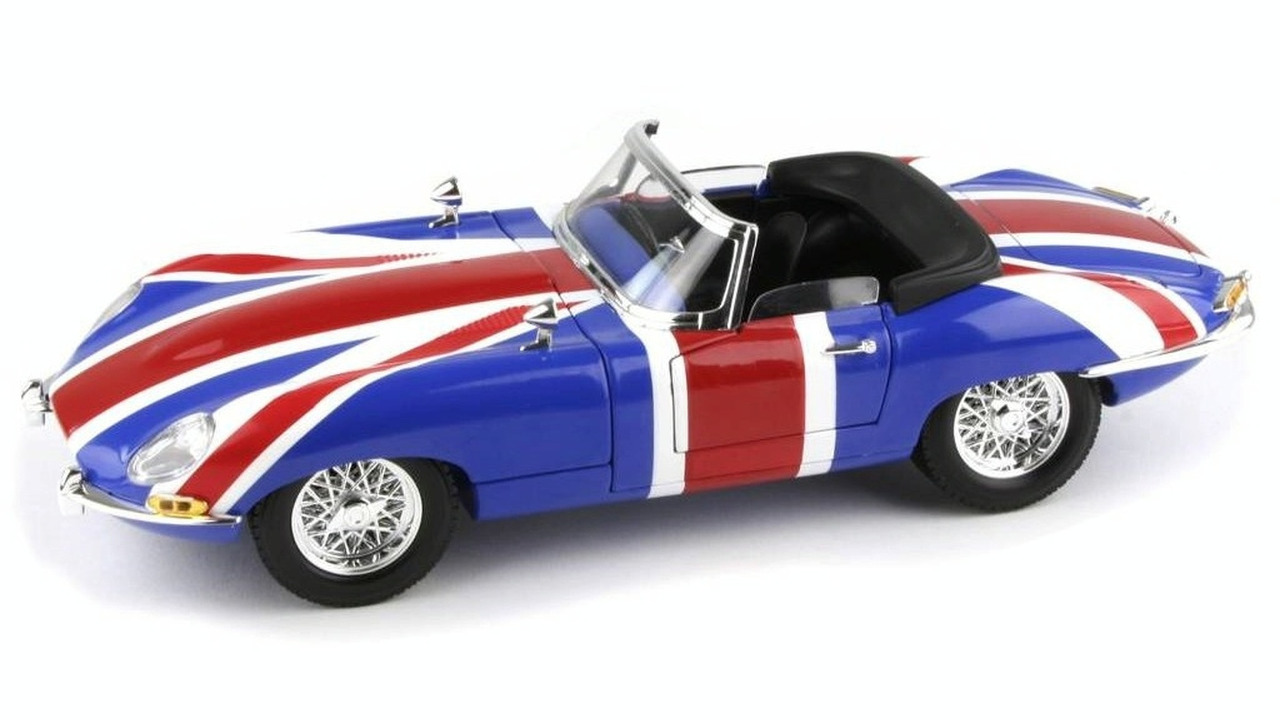 Austin Powers 1:18 Die Cast Shaguar