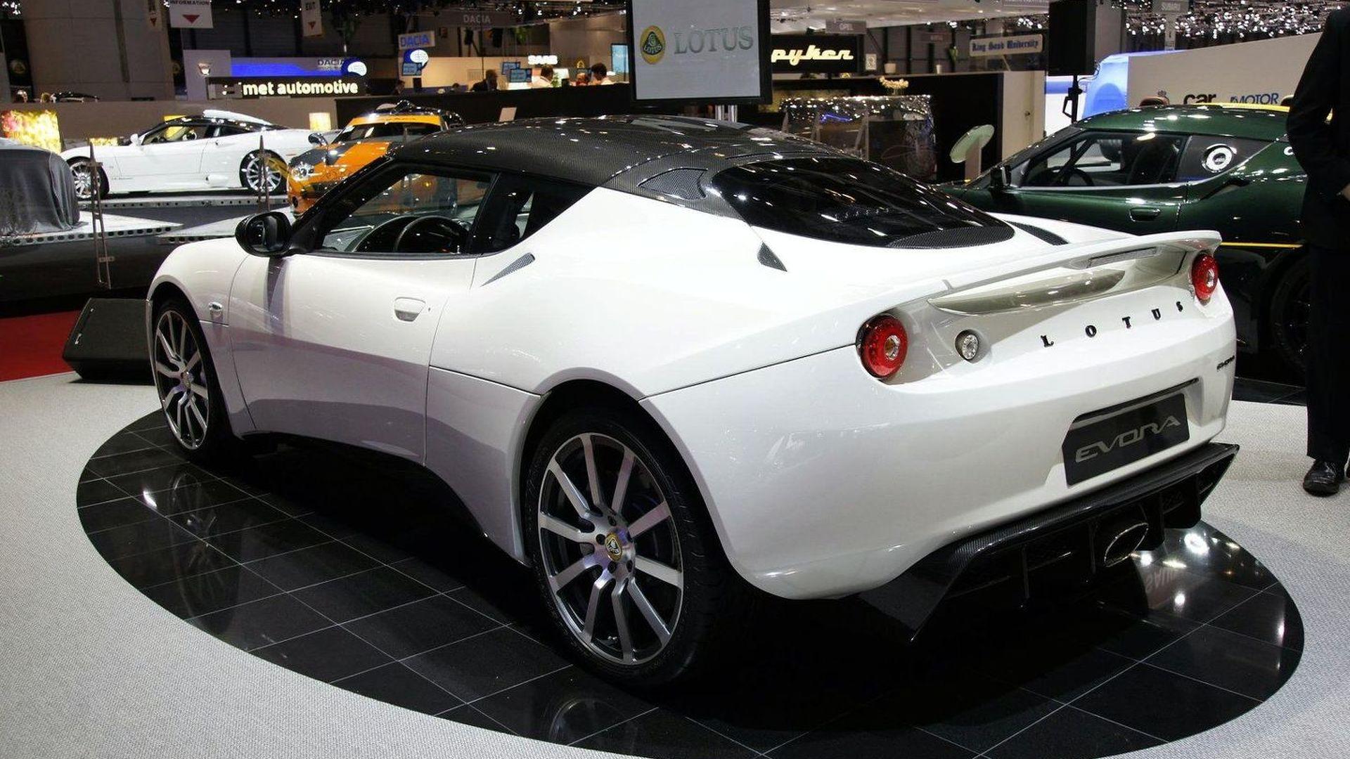 https://icdn-2.motor1.com/images/mgl/AKzRP/s1/2010-195673-lotus-evora-carbon-concept-live-in-geneva-02-03-20101.jpg