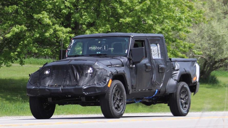 Jeep Wrangler Pickup new spy photos