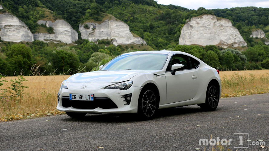essai toyota gt86 2017 plus aff t e mais. Black Bedroom Furniture Sets. Home Design Ideas