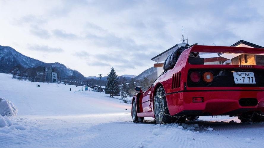 Ferrari F40 tackles ski slope