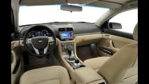 Chevrolet encerra comercialização do sedã Omega no Brasil