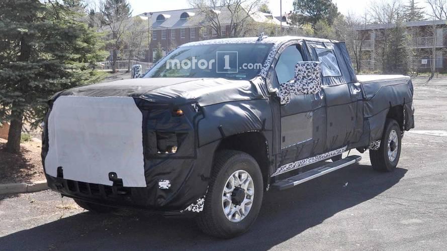 General Motors HD Pickup Spy Photos