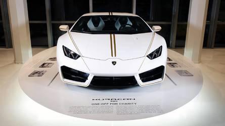 Bárki kibérelheti a Ferenc pápától megvásárolt Lamborghinit