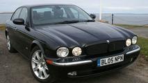 Jaguar XJ travels 1000 miles on 1 tank