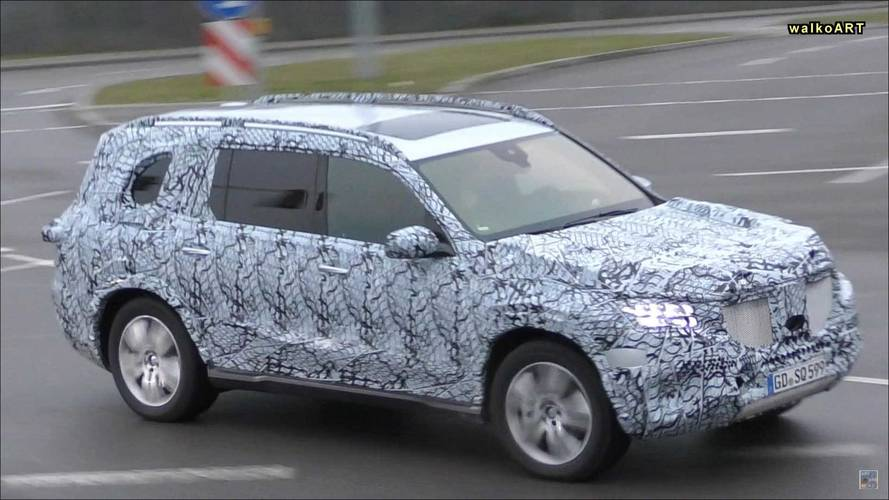 New Mercedes-Benz GLS-Class Spied Briefly In Traffic