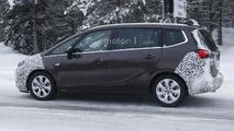 Opel Zafira Facelift spy photo