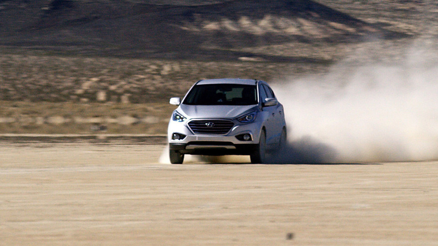 Hyundai Tucson Fuel Cell sets new land speed record [video]