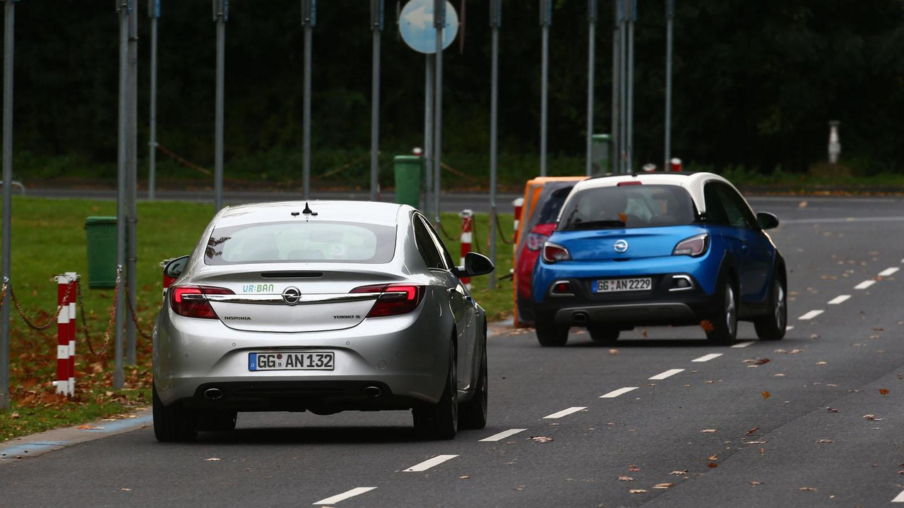 Opel automatic collision avoidance system
