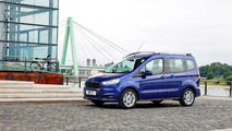 Ford Tourneo Courier azul