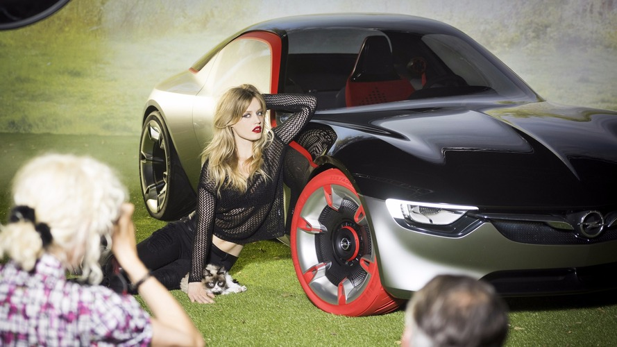 Grumpy Cat, Georgia May Jagger behind the scenes at Opel shoot