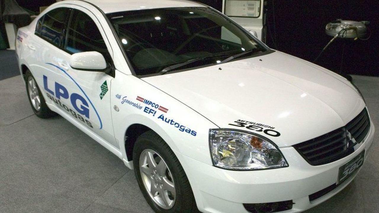 Mitsubishi 380 LPG Autogas (Au)