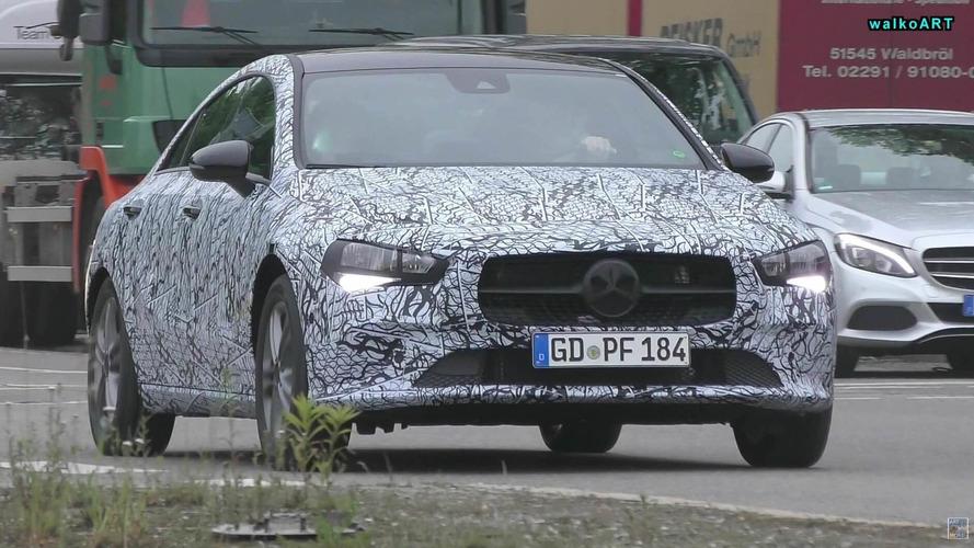 Flagra: Novo Mercedes-Benz CLA ficará acima do Classe A Sedan
