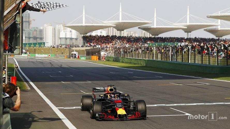 2018 F1 Çin GP: Verstappen Vettel'e çarptı, Ricciardo kazandı