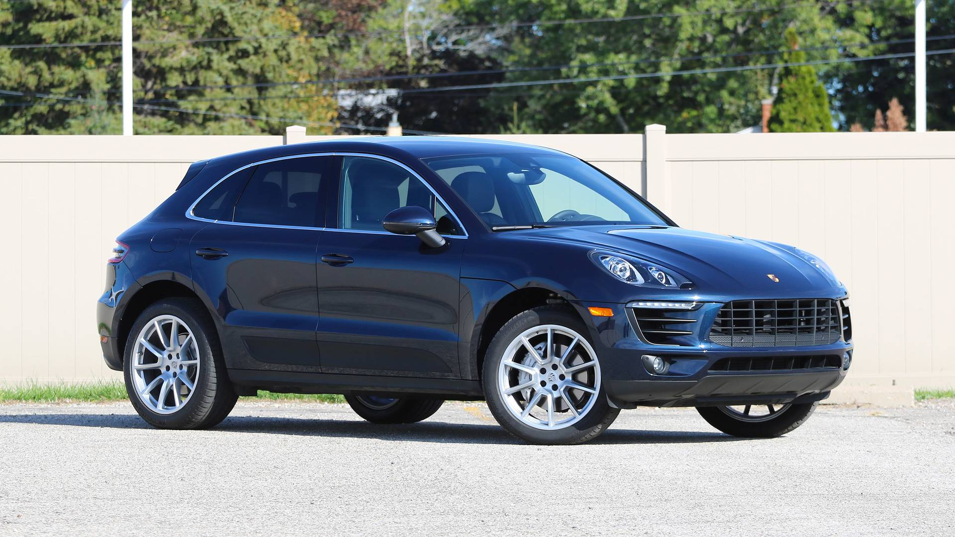 2017 porsche macan s review sports car on stilts. Black Bedroom Furniture Sets. Home Design Ideas