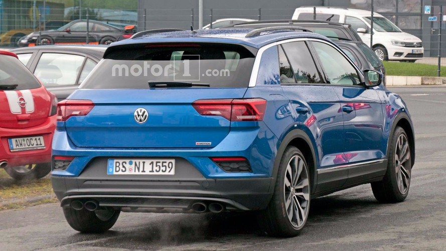 vw t roc r seen at nurburgring with golf r 39 s 310 hp engine. Black Bedroom Furniture Sets. Home Design Ideas
