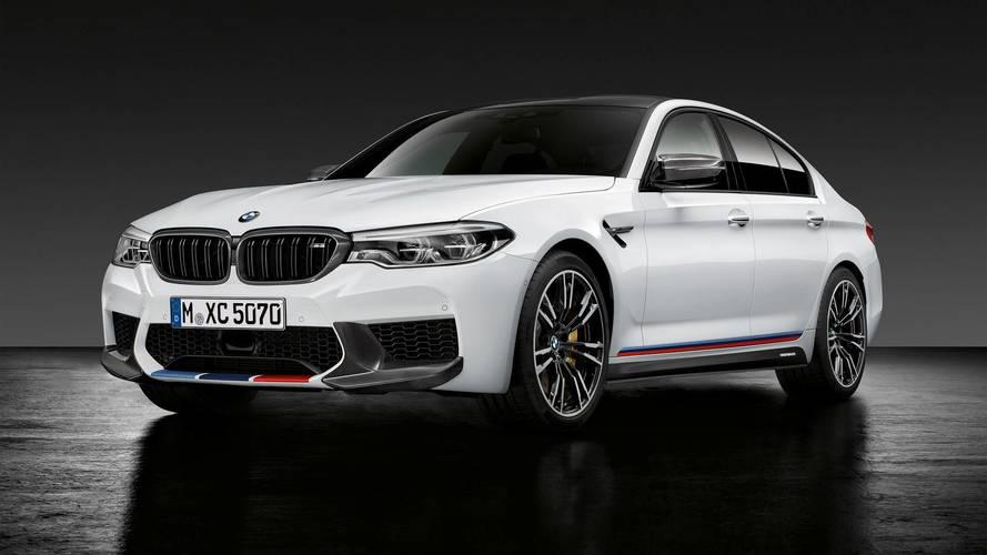 BMW M5  M Performance kiegészítőkkel