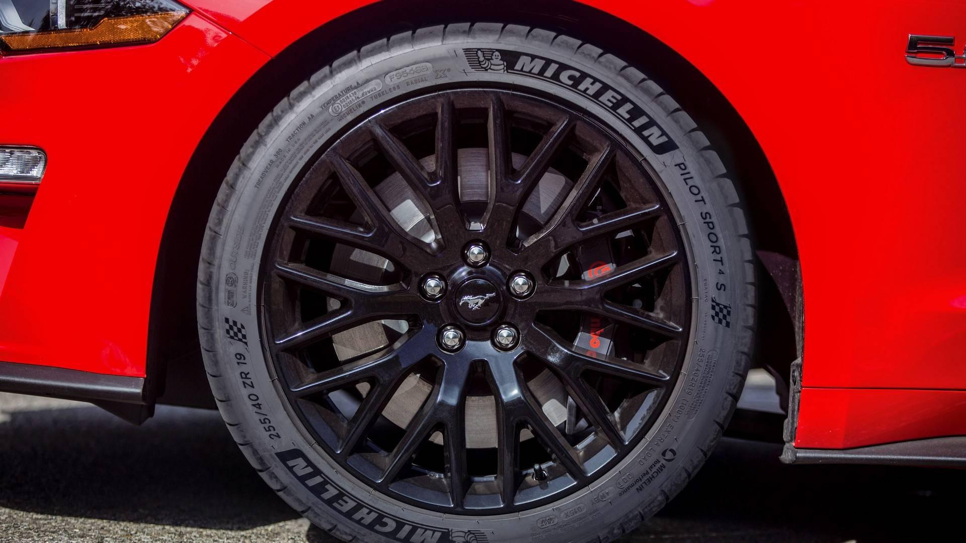 2018 ford mustang gt gets michelin pilot sport 4s rubber. Black Bedroom Furniture Sets. Home Design Ideas