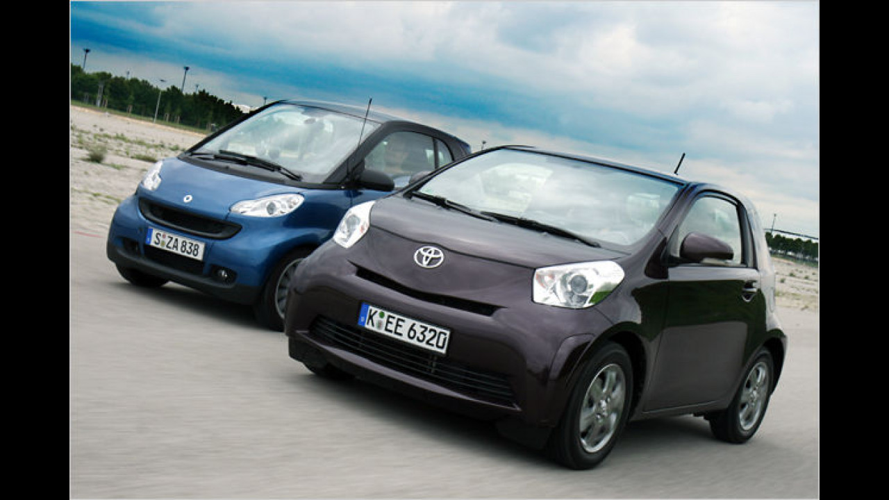Winzlinge im Vergleich: Smart Fortwo gegen Toyota iQ