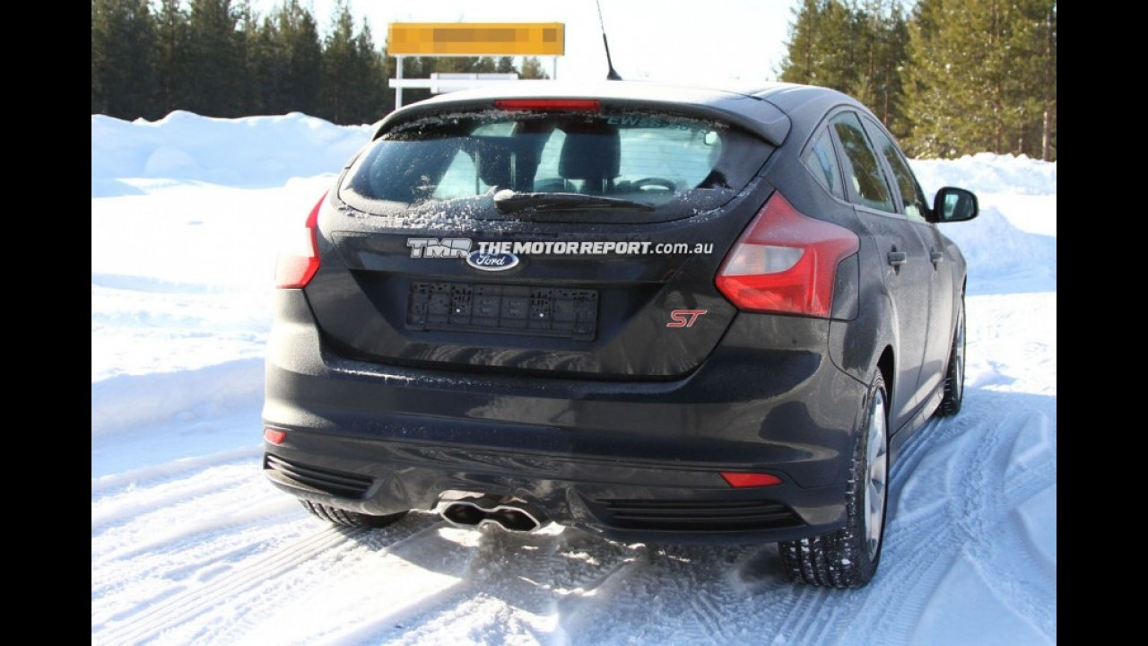Novo Ford Focus RS é flagrado em testes na Europa