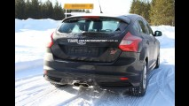 Novo Ford Focus RS é flagrado em testes na Europa