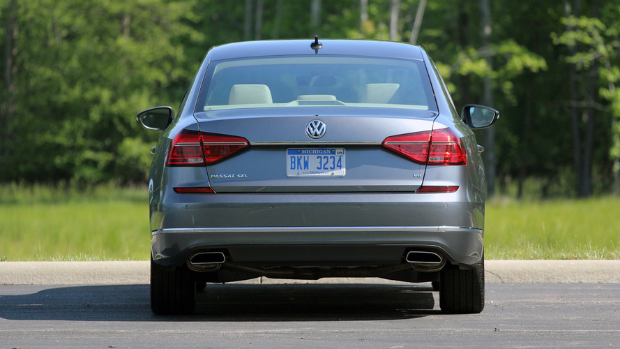 2016 Volkswagen Passat V6 Execline: Review