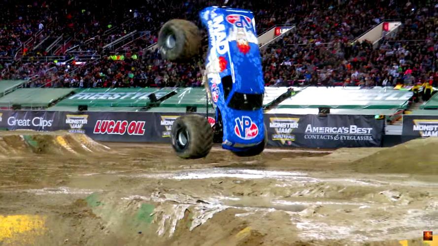 Ön takla atan Monster Truck imkansız diye bir şey olmadığını gösteriyor
