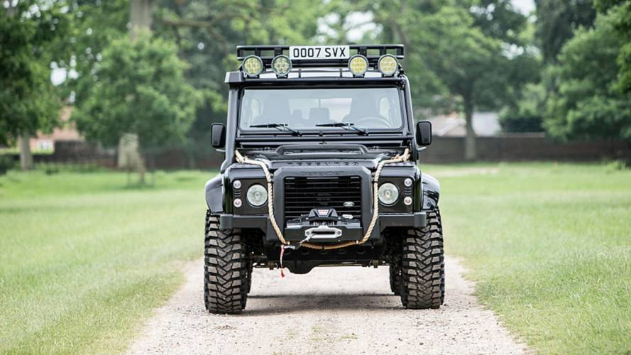 Land Rover Defender SVX de James Bond