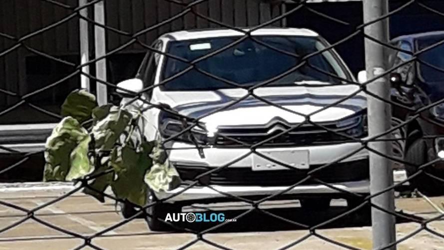 Flagra - Citroën C4 Lounge 2018 é pego sem disfarces na Argentina
