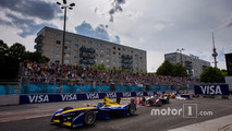 Sébastien Buemi, Renault e.Dams leads Jean-Eric Vergne, DS Virgin Racing
