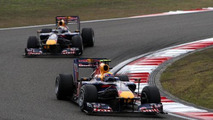 Mark Webber (AUS), Red Bull Racing, RB6 leads Sebastian Vettel (GER), Chinese Grand Prix, 18.04.2010 Shanghai, China