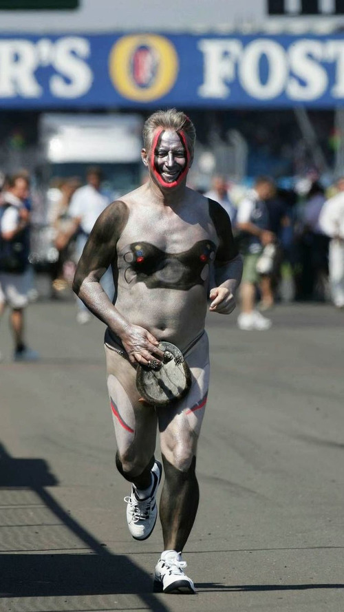 F1 journalist to reprise naked jog