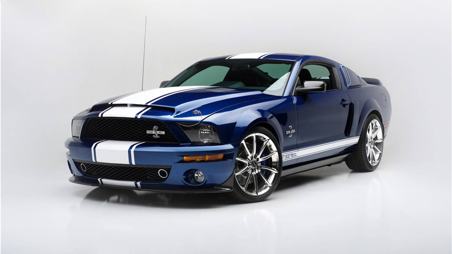 shelby gt500 super snake auction to benefit vegas first. Black Bedroom Furniture Sets. Home Design Ideas
