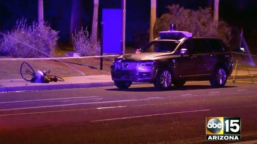 Uber sospende i test dopo un incidente mortale con auto a guida autonoma
