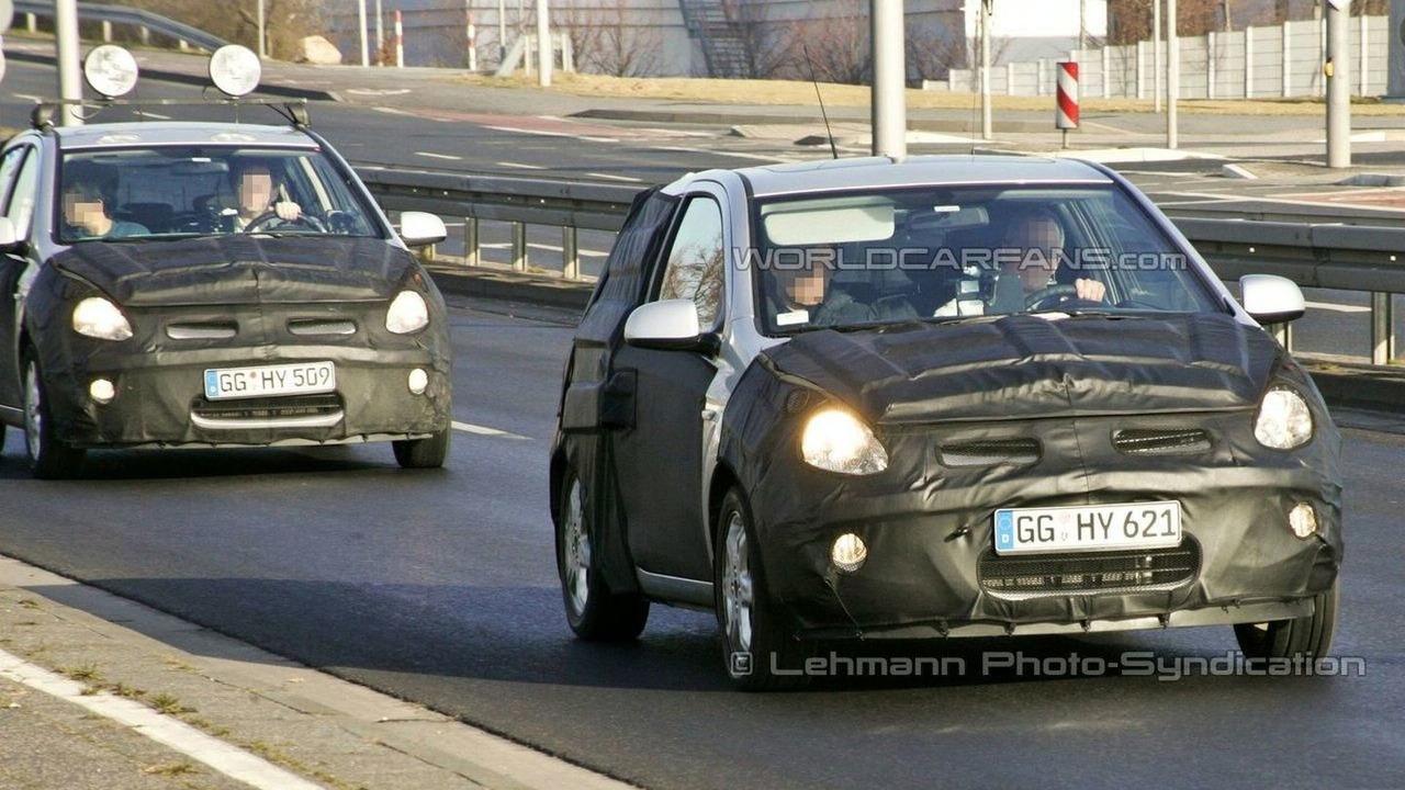 Hyundai i20's spied in convoy